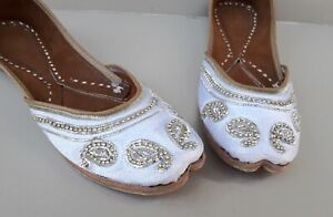 D-110 Womens Indian Traditional Khussa Shoes Phulkari Jutti Mojari ethnic shoes
