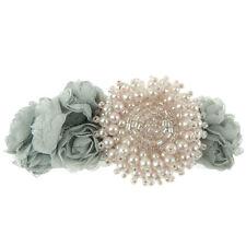 Barrette Pince à Cheveux  fleurs tissu grise et perles nacrées rose pâle