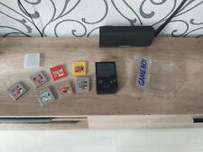 Nintendo Game Boy in schwarz. Spielkonsole inkl. 8 Spielen und Aufbewahrungsbox