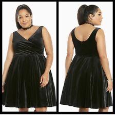 Torrid Women's Velvet Surplice Dress Black plus Size 18 Formal cocktail wedding