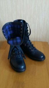 Authentic Chanel Combat CC Logo Lace Up Blue Leather Boots Size 38, US8