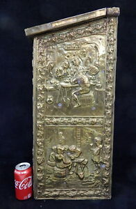 Large Antique Peerage Colonial Brass Relief Coal Hod Fireplace Hearth Wood Box