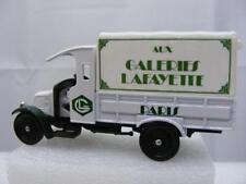Corgi Classics C922 - 1926 Renault Van Galeries Lafayette Paris (C5613)