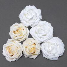 Fiori, petali e ghirlande rose rosa per il matrimonio