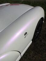 Peinture carrosserie: Base Blanc nacré Violet = 0,5 L de fond + 0,5 L de nacre