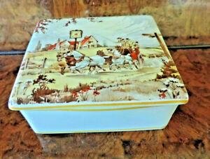 NEW HALL Staffordshire rectangular lidded box - coaching theme