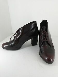 Clarks Ladies high shine dark oxblood heeled Ankle/Trouser Boots Size 7D UK
