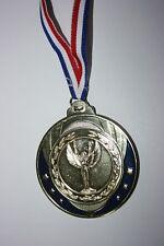 """Médaille """" Or """" VICTOIRE  avec ruban diamètre 70 mm poids 100 gr"""