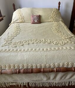 Vintage Golden Yellow Chenille Tufted Bedspread Blanket Full/Queen Thick Pile