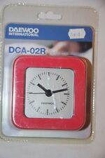 DAEWOO - Montre Réveil Alarme Analogique Rouge- DCA-24R Neuf