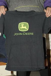 John Deere Tractor t shirt Med near mint Farm iconic American logo deer jumping