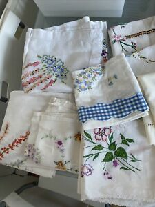 11 Vintage Large Flower Stitched Embroidered Linen Tablecloth