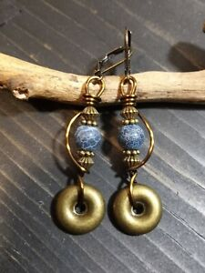 UNIQUE DRK BLUE CRACKLE ROCK BEAD/BRASS ACCENT DANGLE/BRONZE WIRE WRAP EARRINGS
