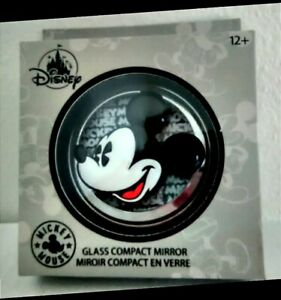 DISNEY MICKEY MOUSE GLASS COMPACT MIRROR NEW in package