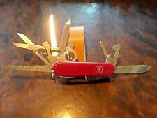 Red Victorinox Champion, Earlier than the Swiss Champ, No pliers