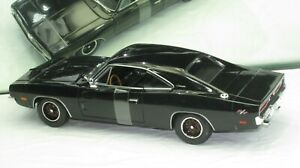 1969 DODGE CHARGER R/T BLACK NEW IN BOX 1:18.