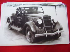 1935 FORD POLICE CAR PHILADELPHIA OFFICE WITH GUN  11 X 17  PHOTO PICTURE