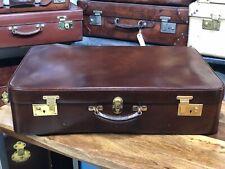 VINTAGE BEAUTIFUL brown genuine leather travel motoring case suitcase