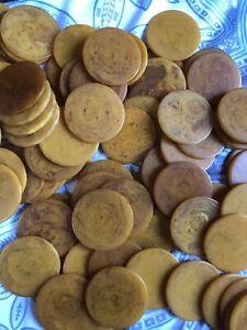 Lot of 101 Butterscotch Swirl Bakelite Poker Chips