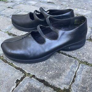 PLANET SHOES Black Leather Comfort Nursing Walking Work Flats SZ 10 / 42