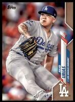 2020 Topps Series 2 Base Gold #628 Julio Urias /2020 - Los Angeles Dodgers