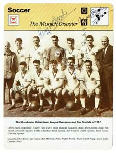 Busby Babes signed 1977 Football Sportscaster Rencontre Team Card Manchester Utd