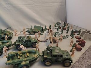 Military vehicles and troops toys.SPORTS SPED.