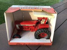 Ertl Farmall 706 The Toy Tractor Times 1995 Collector's  Edition  1/16th Scale