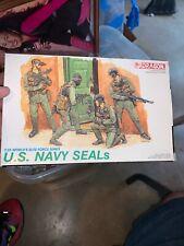1/35 DRAGON  US NAVY SEALS