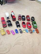 Disney Cars Diecast Metal y Plástico Juguetes Paquete de 22 Audi Taxi Trucks
