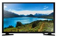"Samsung 32"" Class HD (720P) LED TV (UN32J4000CFXZA)"