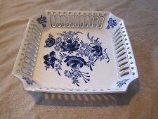 T Limoges LG Porcelain Dec a la Main Dish / Bowl / Floral Pattern with Gold trim