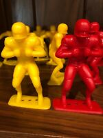 "VINTAGE Molded Plastic FOOTBALL PLAYER FIGURES~ LOUIS MARX & CO 1969 4"""