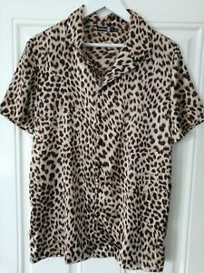 Men's short sleeve shirt boohoo man leopard print size large polyester VGC