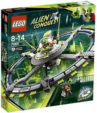 Lego 7051 ALIEN CONQUEST TRIPOD INVADER 100% Complete with manual and minifigs