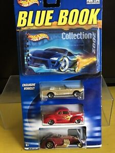 2002 HOT WHEELS BLUE BOOK COLLECTORS GUIDE USED W/3 NEW CARS