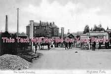 LO 23 - The Level Crossing, Highams Park, London - 6x4 Photo