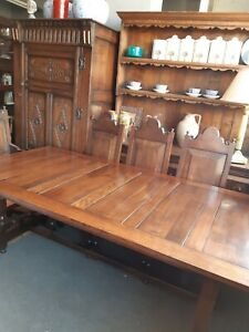 Oak Farmhouse Table And 8 Chairs 2 Carvers
