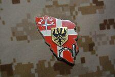 W13 insigne militaire pucelle 1er RI Régiment Infanterie BATINF 6 SEGALEN