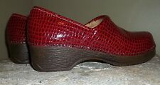 GH Bass & Co Robyn Red Snakeskin Leather Clogs Sz 6m Women Cushion Step