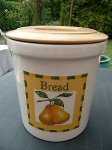 Vintage Cloverleaf Cream Ceramic Breadbin With Wooden Lid / Props
