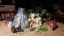 Lot volcan + dinosaures + explorateur PLAYMOBIL