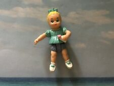 PLAYSKOOL VINTAGE DOLL HOUSE BABY GIRL HOLDING BOTTLE W  BLUE SHIRT  BOW FIGURE