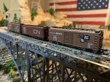 Lof of 3 Bachmann N scale box cars, 2 with metal wheels, CN and Rock island NICE