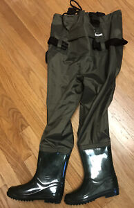 Ouzong Chest Waders For Kids Lightweight Cleated Nylon Fishing Bootfoot SZ 1.5-2
