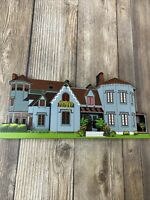 Shelia's Collectible Wooden Ledge Shelf House Replica Kingscote Newport RI 1999