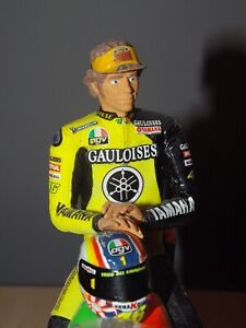 1/12 Valentino Rossi Resin Figure - Sepang Winter Test 2008 Sitting with Helmet