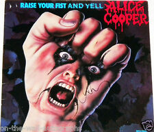 ALICE COOPER HAND SIGNED AUTOGRAPHED RAISE YOUR FIST AND YELL ALBUM! W/PROOF+COA