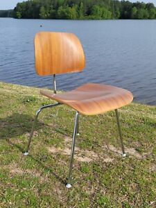 2008 Eames Herman Miller DCM Plywood Chair Mid Century Design Walnut -Has Wear
