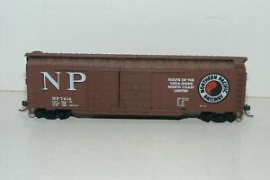 HO Scale Northern Pacific Railway Box Car NP 7414 Kadee Style Couplers